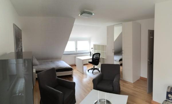 zimmer 205. Black Bedroom Furniture Sets. Home Design Ideas